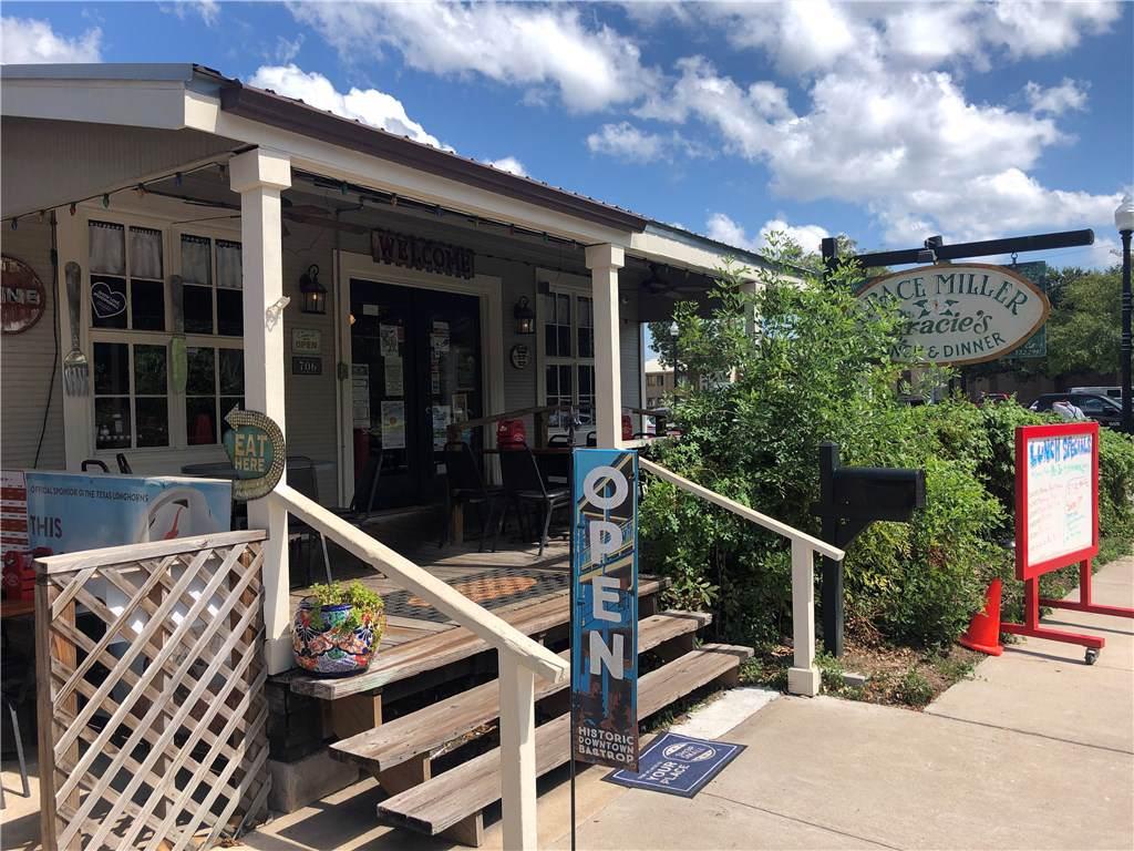 706 Pine St - Photo 1
