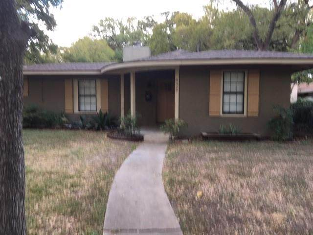 4327 Airport Blvd, Austin, TX 78722 (#3906204) :: Green City Realty