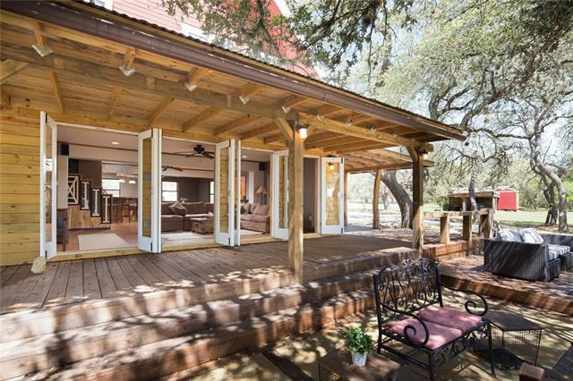 515 Wimberley Oaks Dr, Wimberley, TX 78676 (#3919412) :: The Gregory Group