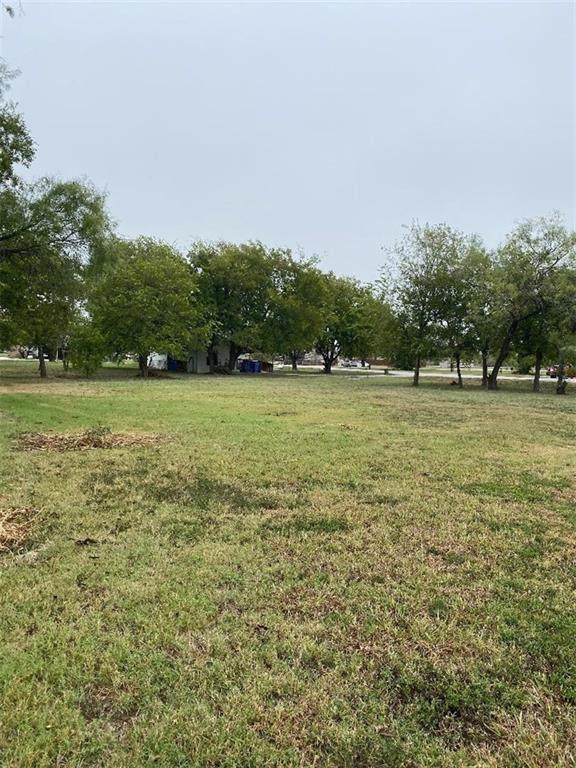 315 E Brenham St, Manor, TX 78653 (#3931916) :: The Perry Henderson Group at Berkshire Hathaway Texas Realty