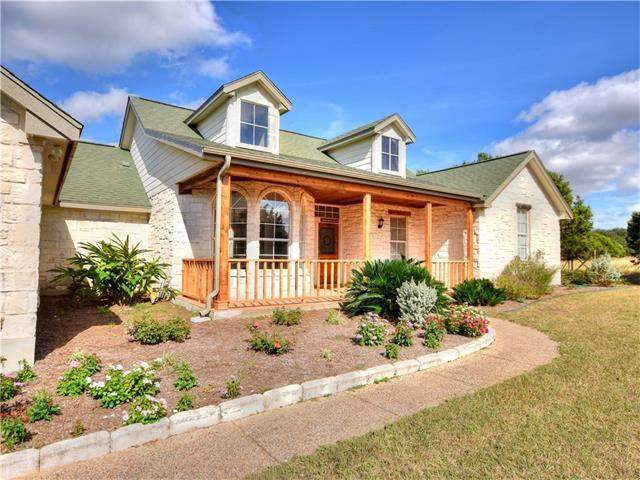 125 Sundance Trl, Liberty Hill, TX 78642 (#4068786) :: Papasan Real Estate Team @ Keller Williams Realty