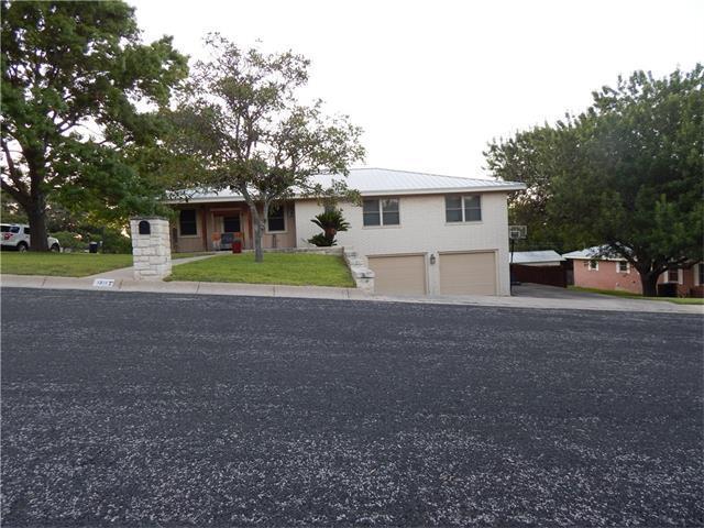 1311 W Avenue A, Lampasas, TX 76550 (#4125006) :: Forte Properties