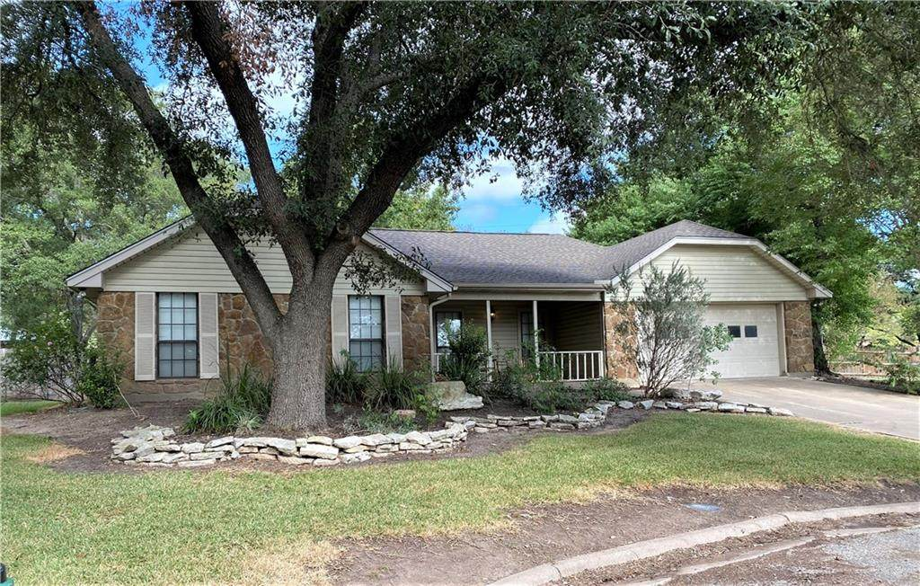 104 Milam Cir - Photo 1