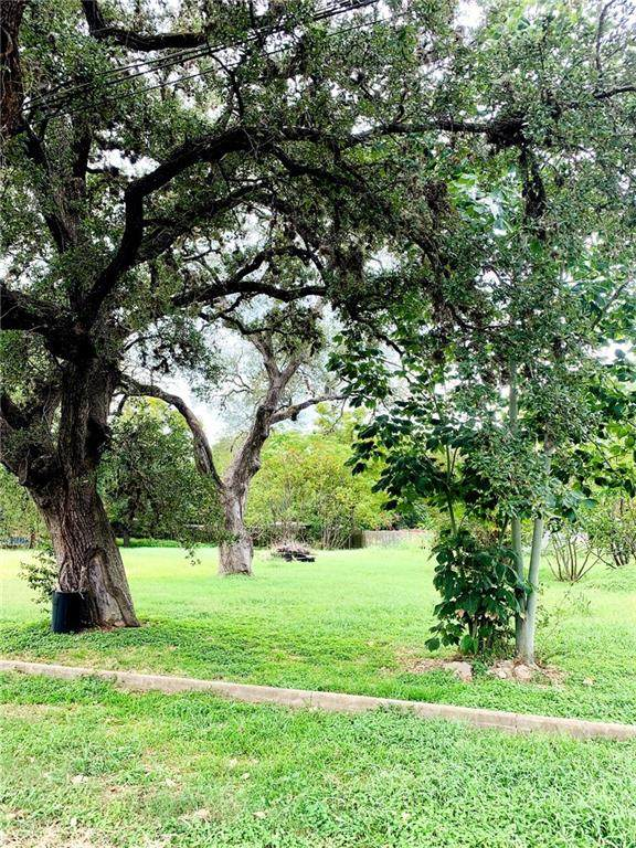 443 N Washington St, La Grange, TX 78945 (MLS #4213329) :: Brautigan Realty