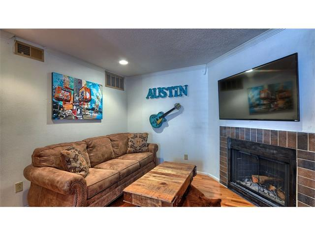 201 E 4th St #229, Austin, TX 78701 (#4403032) :: Papasan Real Estate Team @ Keller Williams Realty