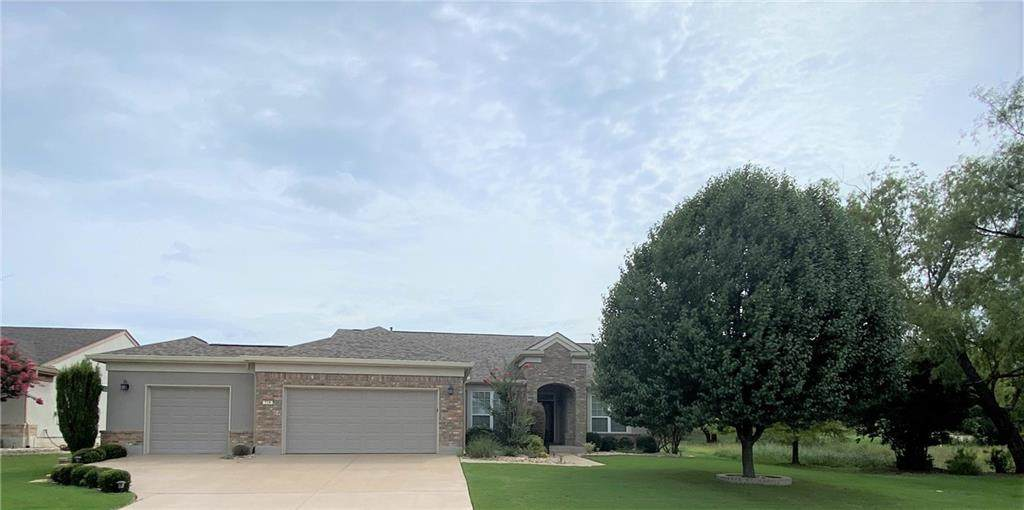 714 Armstrong Dr - Photo 1