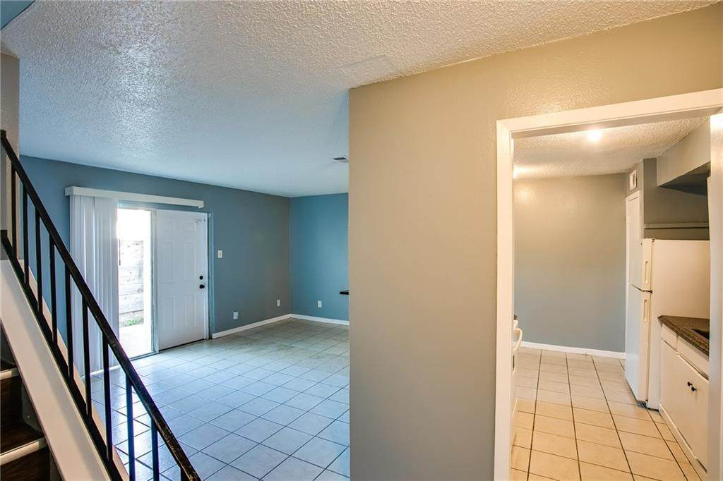 2215 Mission Hill Dr - Photo 1