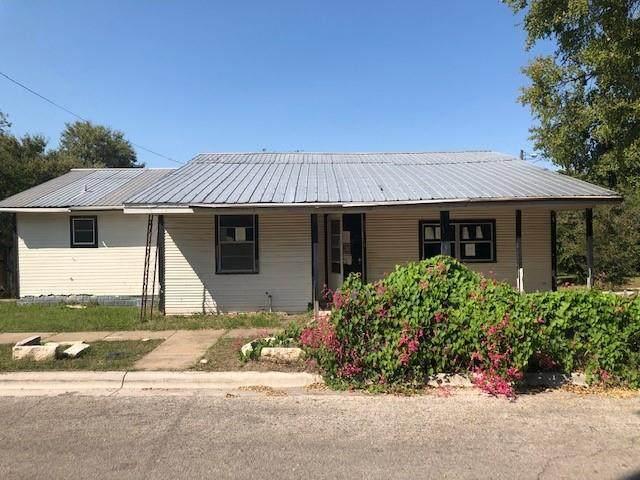 711 Sycamore St, Lockhart, TX 78644 (#4604618) :: RE/MAX Capital City