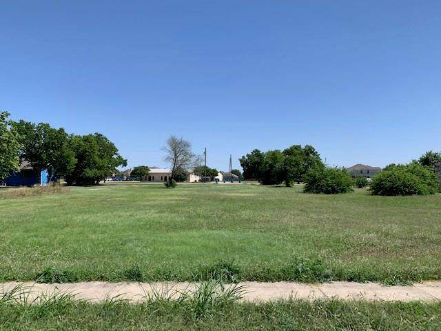 208 W Austin Ave, Hutto, TX 78634 (#4651510) :: Front Real Estate Co.