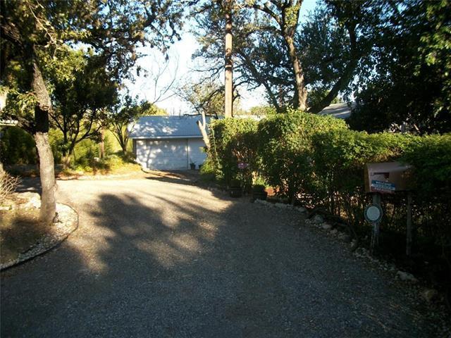 1908 Oak Hill Ln, Austin, TX 78744 (#4672332) :: Forte Properties