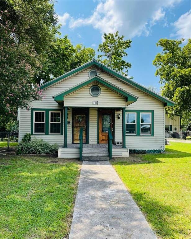 300 N Jefferson Ave, Cameron, TX 76520 (#4674615) :: Papasan Real Estate Team @ Keller Williams Realty