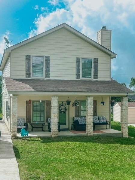 1526 Bonnyview Dr, Canyon Lake, TX 78133 (#4746617) :: Papasan Real Estate Team @ Keller Williams Realty