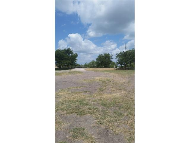 8625 Linden Rd, Del Valle, TX 78617 (#4820421) :: Kevin White Group