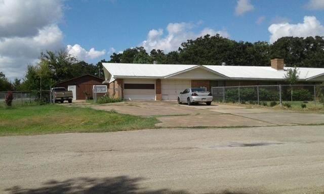 1049 Stephen F Austin Blvd, Dime Box, TX 77853 (#4864916) :: Watters International