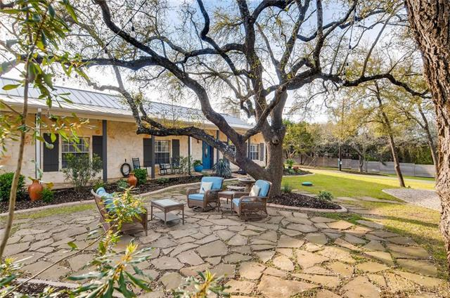 1019 Springlake Dr, Dripping Springs, TX 78620 (#4874102) :: Ben Kinney Real Estate Team
