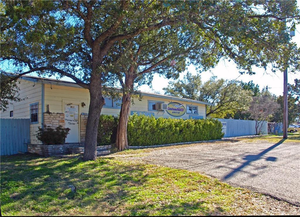 819 Ranch Road 620 - Photo 1