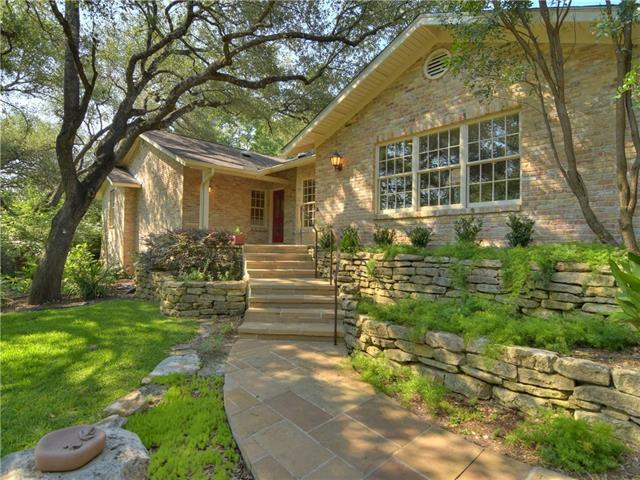 301 Laurel Valley Rd, West Lake Hills, TX 78746 (#4987544) :: Watters International