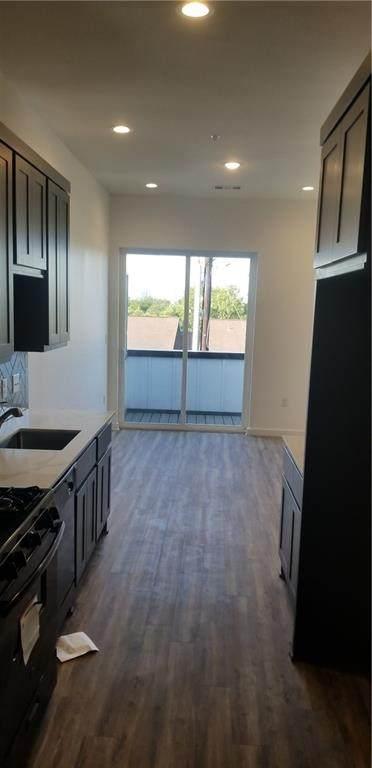 2804 S 1 St #1302, Austin, TX 78704 (#4987869) :: Lauren McCoy with David Brodsky Properties