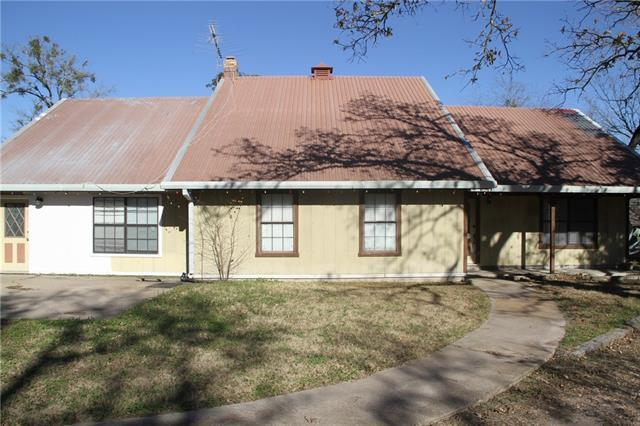 1214 County Road 101, Giddings, TX 78942 (#5005507) :: The ZinaSells Group
