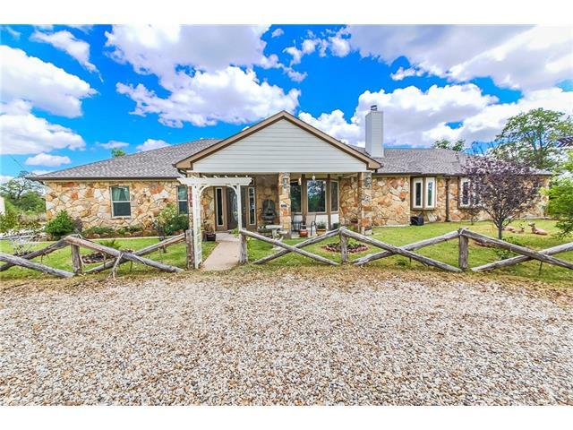 527 Leisure Ln, Cedar Creek, TX 78612 (#5047462) :: Kevin White Group