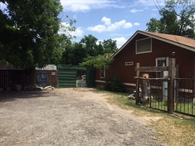 1047 Springdale Rd, Austin, TX 78721 (#5088570) :: The ZinaSells Group
