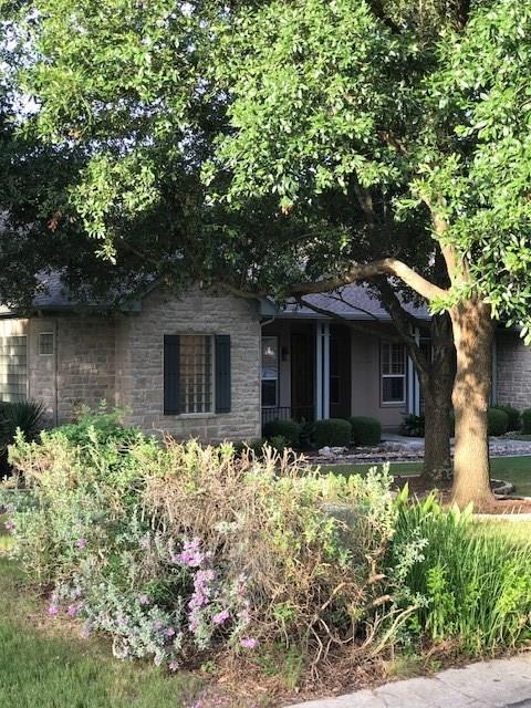 111 Stockman Trl, Georgetown, TX 78633 (#5124899) :: The ZinaSells Group