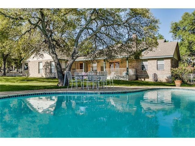 721 Ranchview Dr, Johnson City, TX 78636 (#5201592) :: The ZinaSells Group