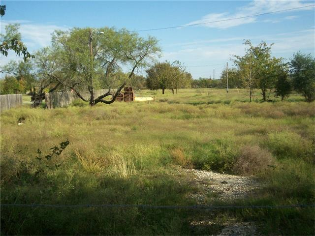 4805 Wolf Ln, Del Valle, TX 78617 (#5264017) :: Kevin White Group