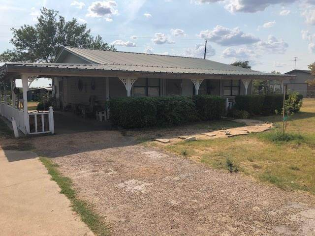 1211 N Patterson Ave, Florence, TX 76527 (#5337012) :: R3 Marketing Group