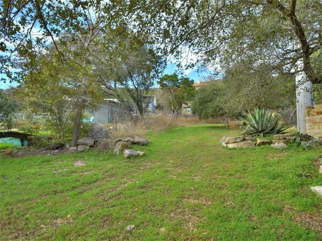 7071 Comanche Trl, Austin, TX 78732 (#5417502) :: Ana Luxury Homes