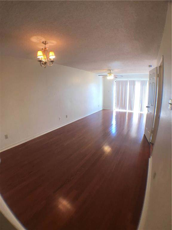 2605 Enfield - Photo 1