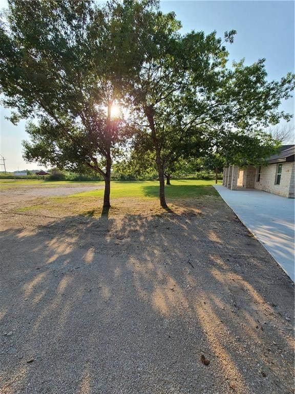 28 Old Lockhart Rd, Uhland, TX 78640 (#5459640) :: Tai Earthman | Keller Williams Realty