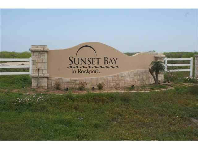 142 Sunrise Dr, Rockport, TX 78382 (#5500686) :: The Perry Henderson Group at Berkshire Hathaway Texas Realty