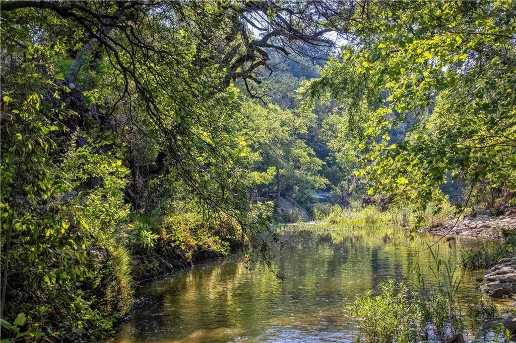 133 Quiet Oak Cv - Photo 1