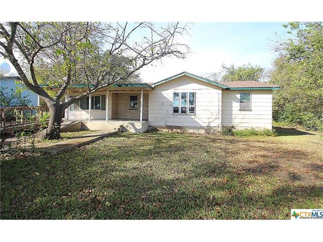 303 E Caskey St, Florence, TX 76527 (#5646461) :: The Gregory Group