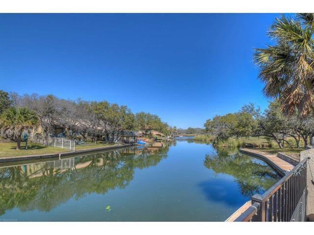 104 Horseshoe Bay Blvd #2, Horseshoe Bay, TX 78657 (#5715176) :: Papasan Real Estate Team @ Keller Williams Realty
