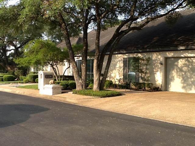 10706 Legends Ln, Austin, TX 78747 (#5774877) :: Watters International