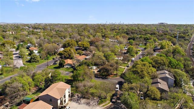 5300 St Georges Grn, Austin, TX 78745 (#5792325) :: The ZinaSells Group