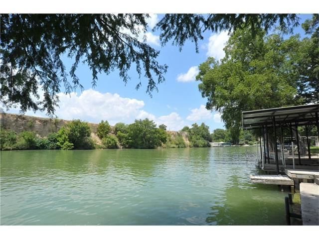 108 Paseo Del Rio, Seguin, TX 78155 (#5870161) :: Watters International