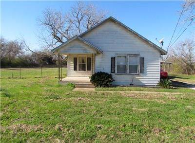1542 S Kessler Ave, Schulenburg, TX 78956 (#6010835) :: The Perry Henderson Group at Berkshire Hathaway Texas Realty
