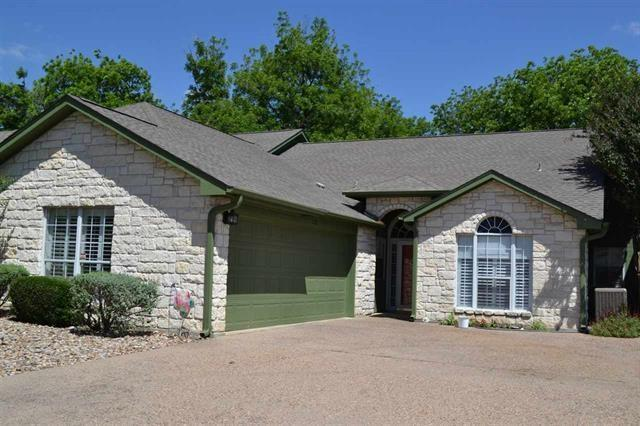 23 Augusta Dr, Meadowlakes, TX 78654 (#6082212) :: RE/MAX Capital City