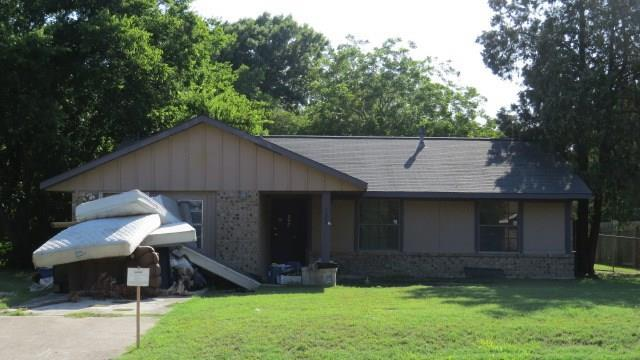 525 S Church St, Lockhart, TX 78644 (#6121693) :: The Gregory Group