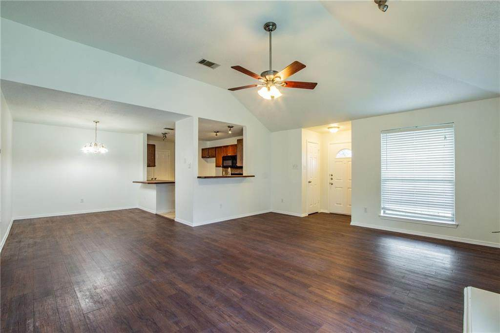 2404 Clearwater Trl - Photo 1