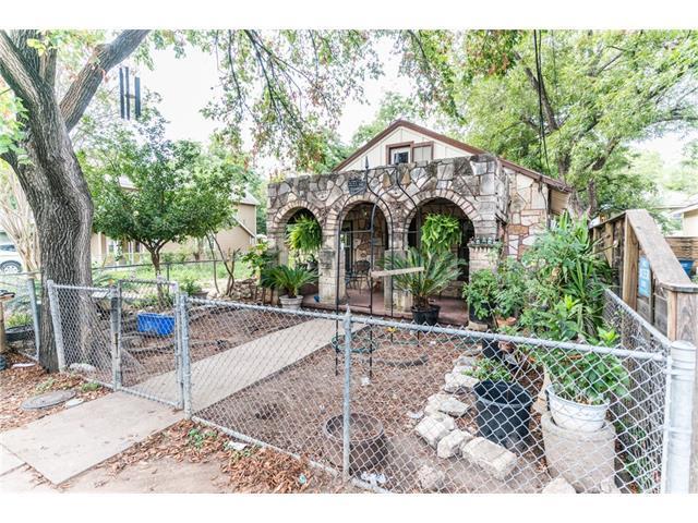 1407 E 3rd St, Austin, TX 78702 (#6192031) :: Papasan Real Estate Team @ Keller Williams Realty