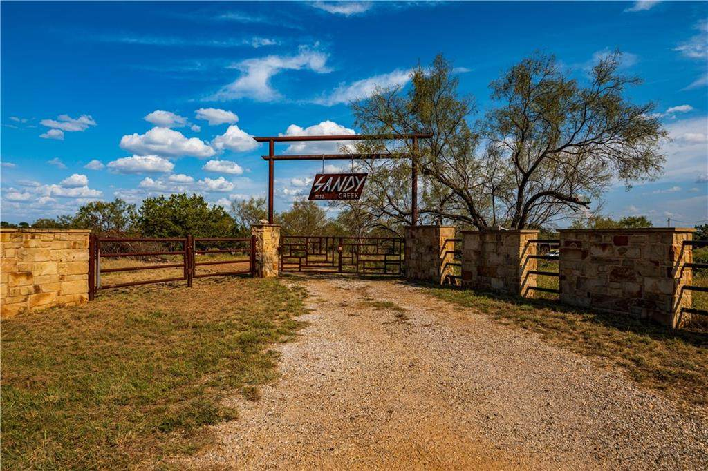 1132 Ranch Road 2233 - Photo 1