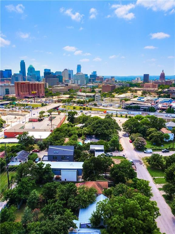 907 E 13th St, Austin, TX 78702 (#6347295) :: The Gregory Group