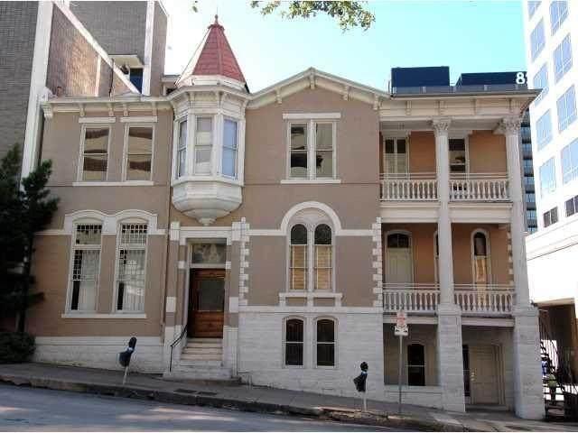 109 E 10th St, Austin, TX 78701 (#6369878) :: Lauren McCoy with David Brodsky Properties