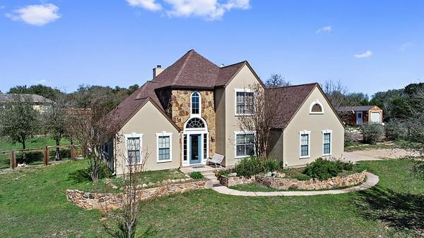 193 Stonegate Ct, Johnson City, TX 78636 (#6427759) :: The Gregory Group