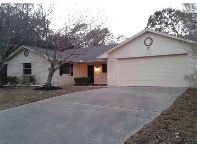 1704 Lark Cir, Harker Heights, TX 76548 (#6550981) :: The Gregory Group