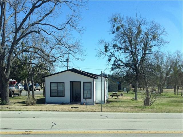616 S Main St, Giddings, TX 78942 (#6584814) :: Watters International